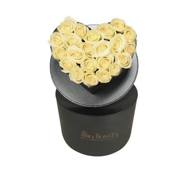 kalp kutuda beyaz güller