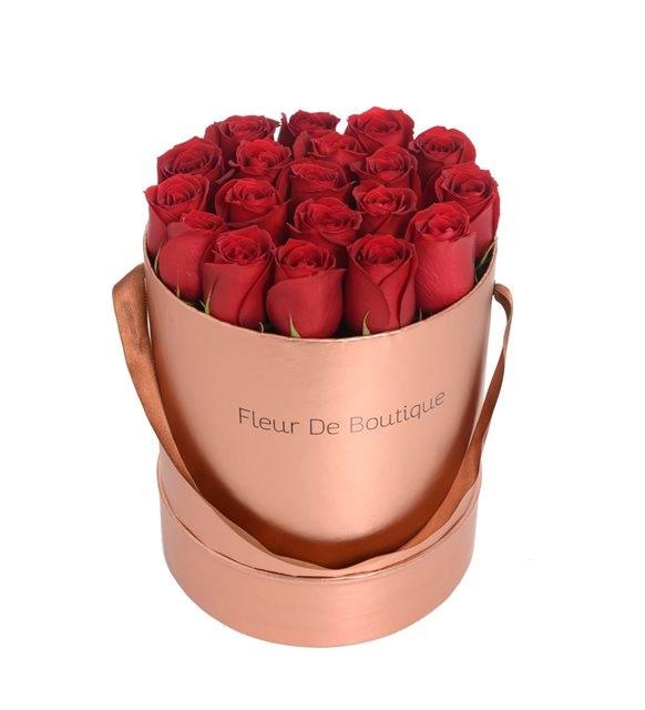 eskitme kutuda kırmızı güller