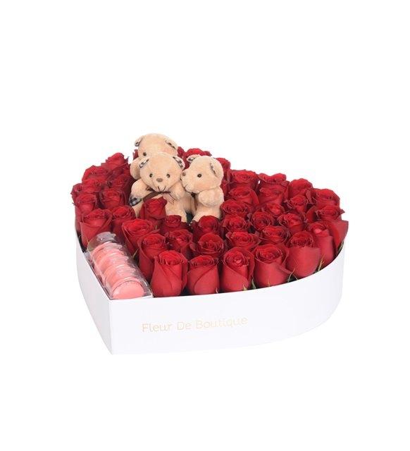 orta boy kalp kutuda kırmızı gül ve ayıcıklar
