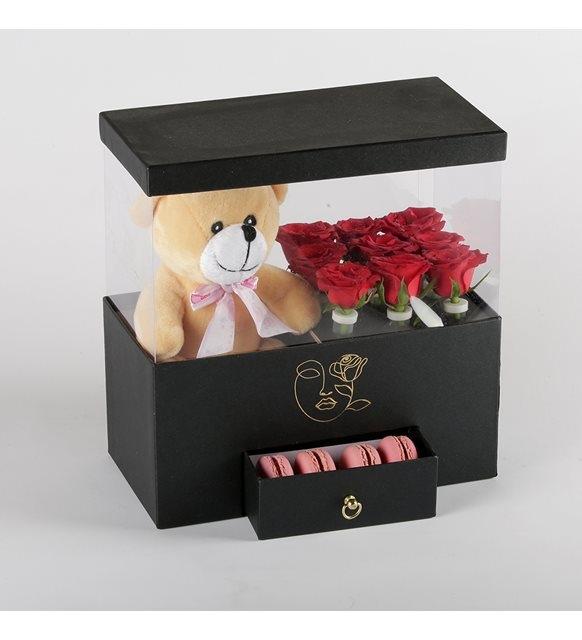 peluş oyuncaklı güller